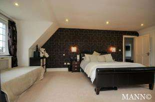4 Bedrooms Detached House for sale in Ash Tree Court, Ash Tree Drive, West Kingsdown, Sevenoaks
