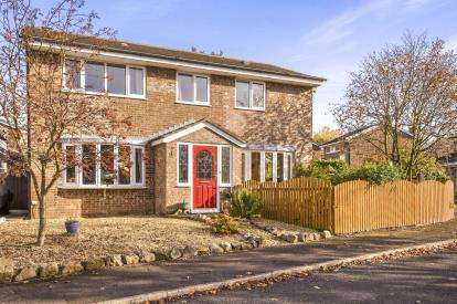 4 Bedrooms Detached House for sale in Cunnery Meadow, Leyland, Lancashire, PR25
