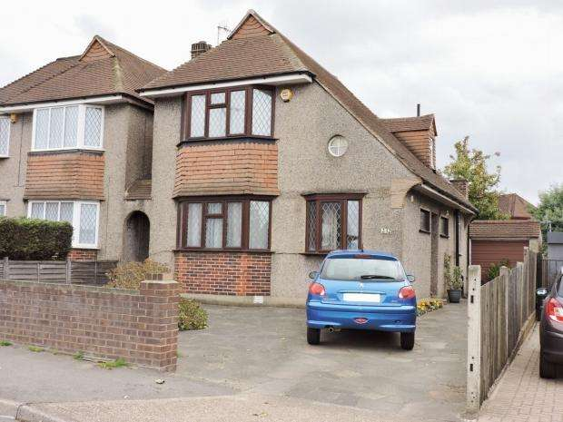3 Bedrooms Detached House for sale in Malden Way New Malden