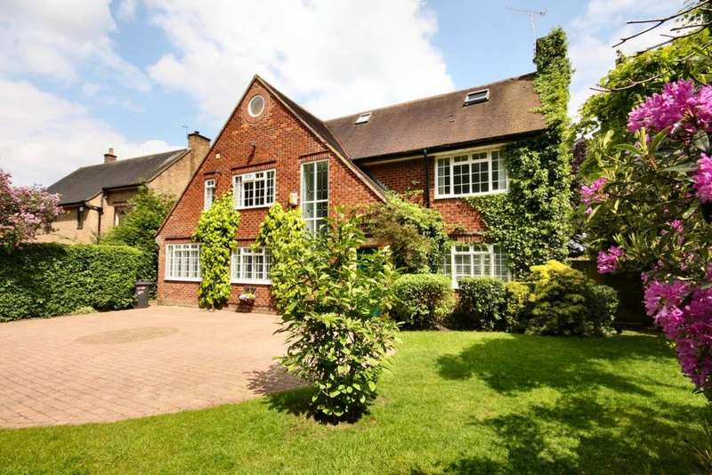 6 Bedrooms Detached House for sale in 11 Racecourse Road, Wilmslow