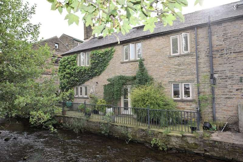 4 Bedrooms House for sale in Church Street, Hayfield
