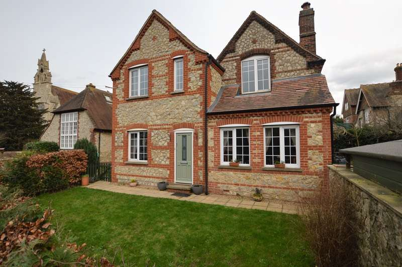 3 Bedrooms Semi Detached House for sale in New Hythe Lane, Aylesford, Kent, ME20