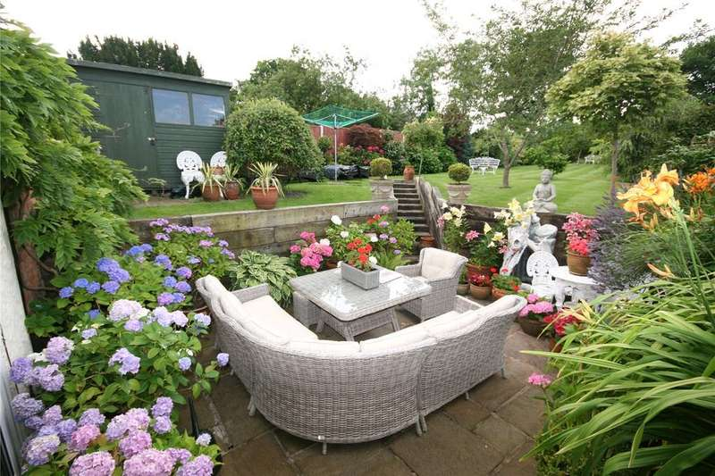 3 Bedrooms Cottage House for sale in Main Road, Higher Kinnerton, Chester, CH4
