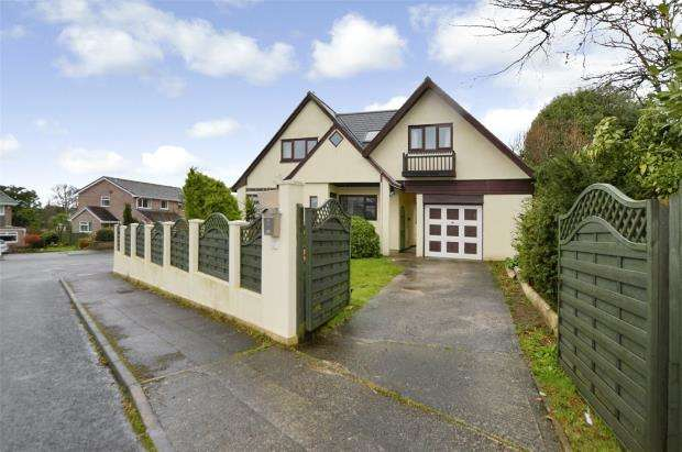 5 Bedrooms Detached House for sale in Hobbs Crescent, Saltash, Cornwall