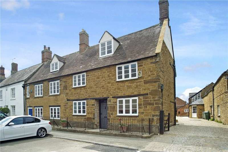 4 Bedrooms Semi Detached House for sale in Market Place, Deddington, Banbury, Oxfordshire, OX15