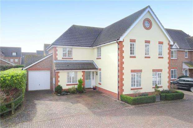 5 Bedrooms Detached House for sale in Cropthorne Drive, Climping, Littlehampton, BN17