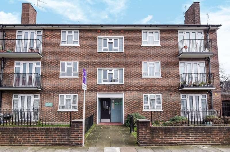 2 Bedrooms Flat for sale in Wycliffe Road, Battersea, SW11