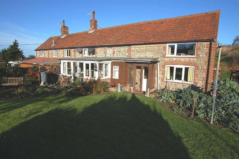 2 Bedrooms Cottage House for sale in Tower Lane, Sidestrand