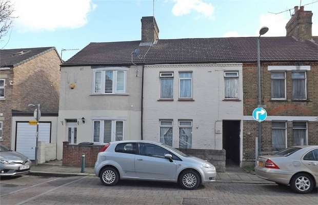 3 Bedrooms Link Detached House for sale in Queens Road, Waltham Cross, Hertfordshire