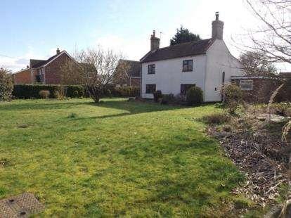 4 Bedrooms Detached House for sale in Little Melton, Norwich, Norfolk