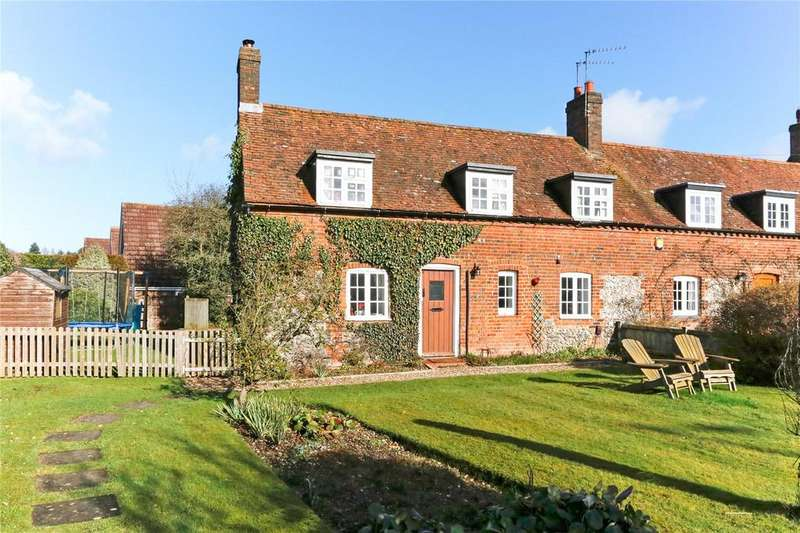 3 Bedrooms End Of Terrace House for sale in Sheep Cottages, Amersham Road, Little Chalfont, Amersham, HP6