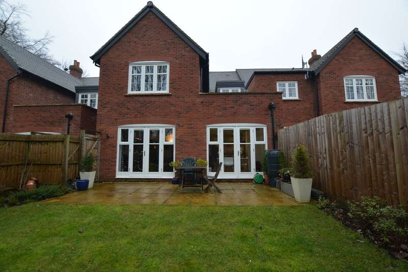 4 Bedrooms Town House for sale in Kenrick Close, Harborne