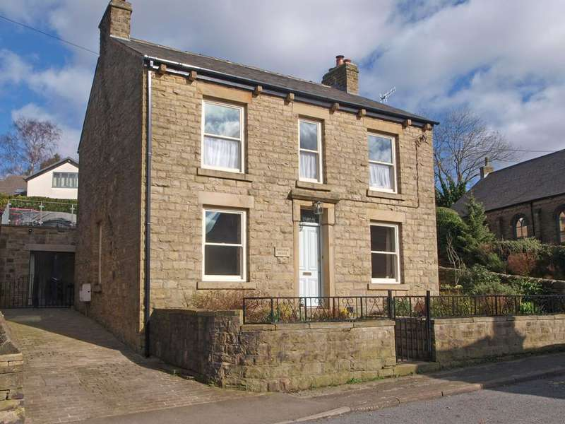 3 Bedrooms Detached House for sale in Kinder Road, Hayfield, High Peak, Derbyshire, SK22 2HS