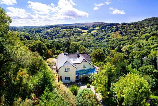 5 Bedrooms Detached House for sale in Mapstone Hill, Lustleigh, Newton Abbot, Devon