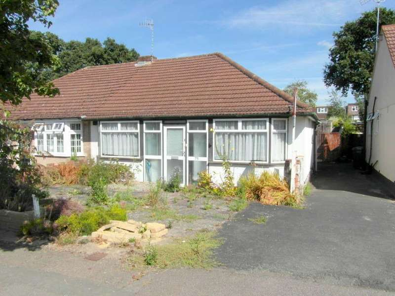 3 Bedrooms Semi Detached Bungalow for sale in Compton Place, Carpenders Park, Watford, Hertfordshire
