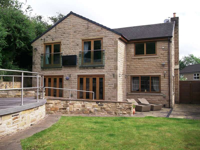 5 Bedrooms Detached House for sale in Thistle Hill, Lascelles Hall, Huddersfield, HD5 0AS