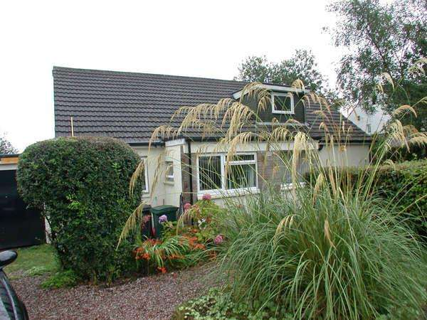 5 Bedrooms Bungalow for sale in 1 Edward Drive, Helensburgh, G84 9QP