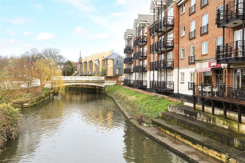 3 Bedrooms Flat for sale in Dorey House, High Street, Brentford, TW8