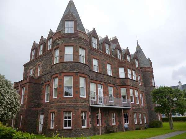 3 Bedrooms Flat for sale in 34 Kelvin Walk, Largs, KA30 8SJ