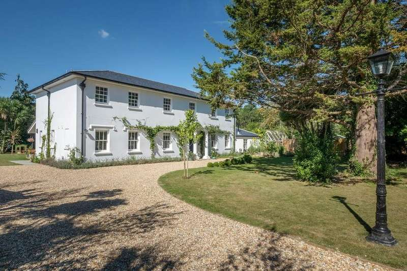 5 Bedrooms Detached House for sale in Pitts Lane, Ryde