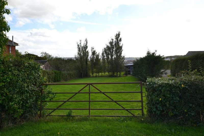 Land Commercial for sale in Noke Common, Isle Of Wight