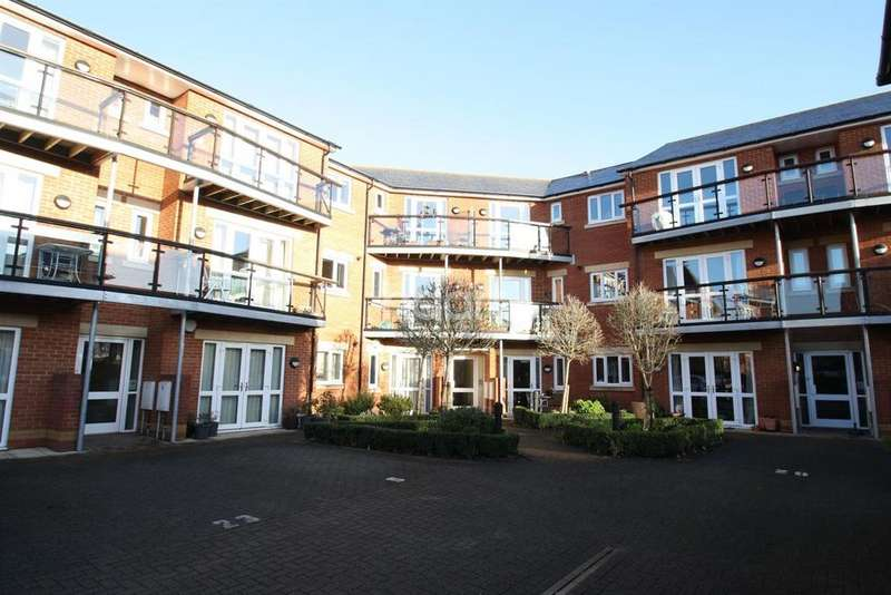 2 Bedrooms Flat for sale in Thomas More Court, Priory Avenue,