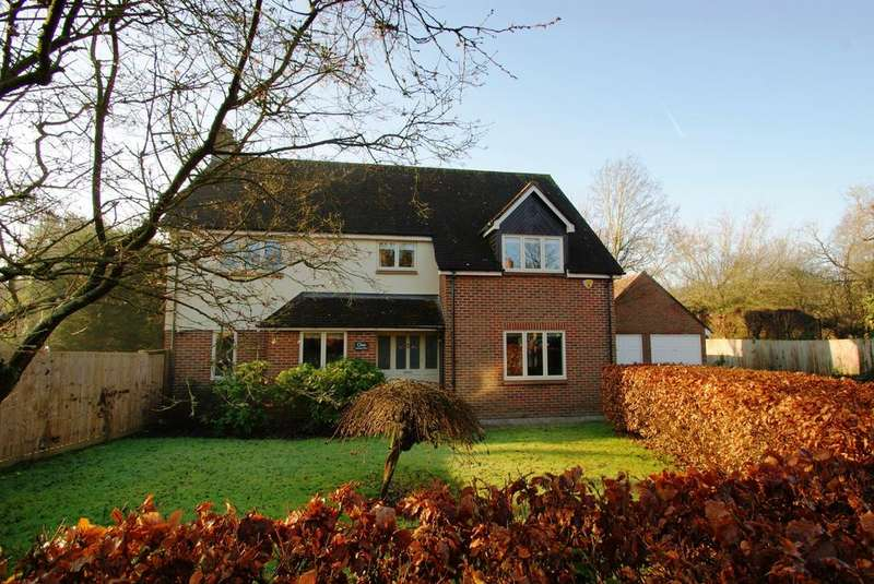4 Bedrooms Detached House for sale in Gatehouse Mews, Ingatestone, Essex, CM4