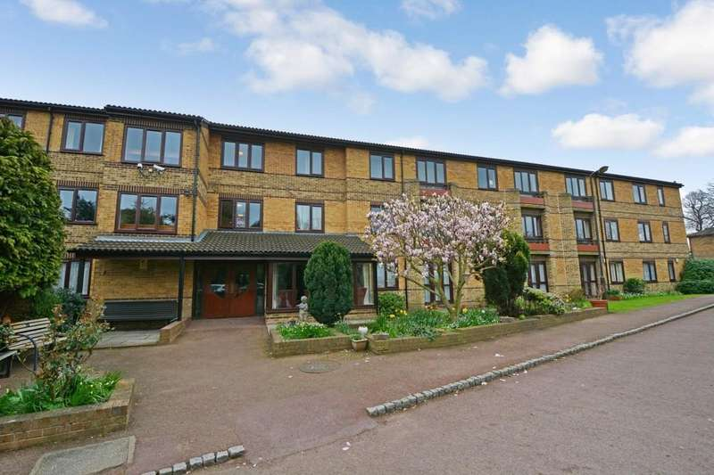 1 Bedroom Flat for sale in Cambridge Road, London