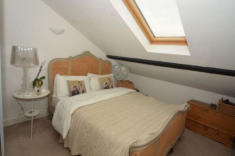 2 Bedrooms Apartment Flat for sale in Telegraph House, Trinity Lane