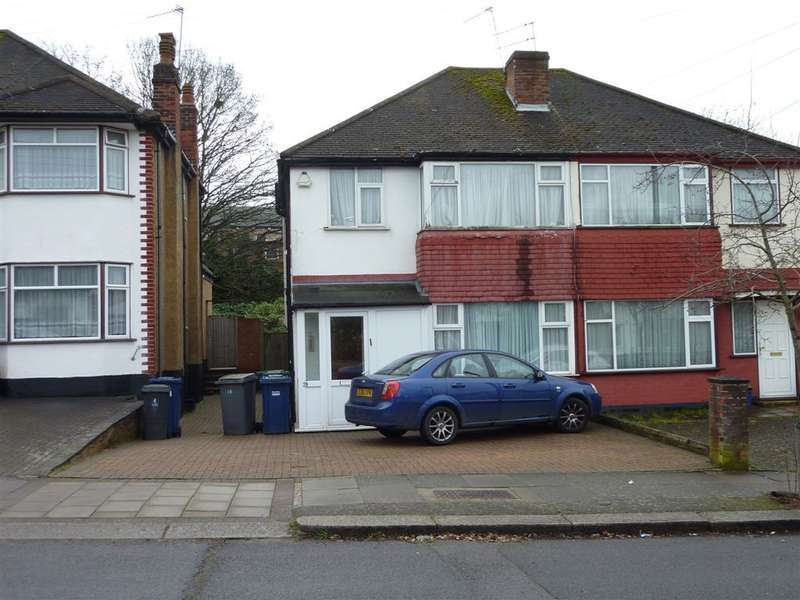 3 Bedrooms Semi Detached House for sale in WARWICK AVENUE, EDGWARE