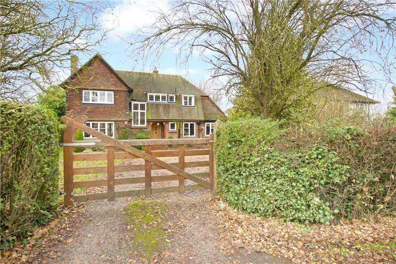 4 Bedrooms Unique Property for sale in New Road, Weston Turville, Aylesbury, Buckinghamshire