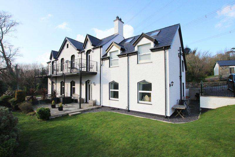 3 Bedrooms Apartment Flat for sale in Llanfairpwll, Anglesey