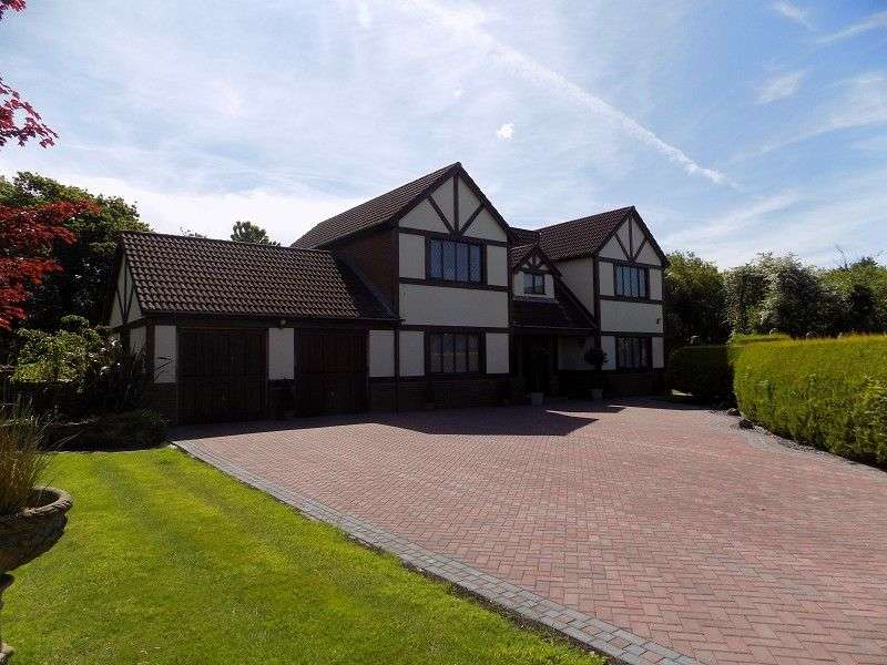 4 Bedrooms Detached House for sale in St Davids Park, Margam, Port Talbot, Neath Port Talbot. SA13 2PA