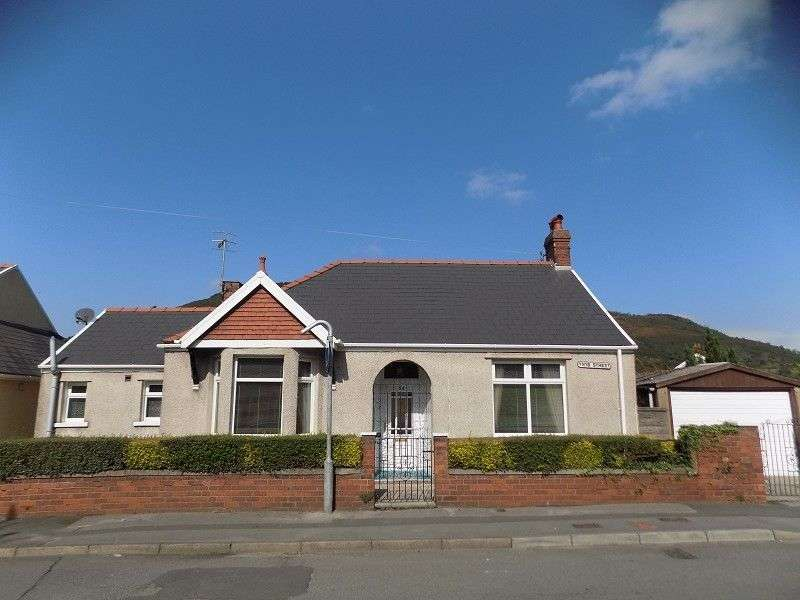 3 Bedrooms Bungalow for sale in Ynys Street, Port Talbot, Neath Port Talbot. SA13 1YW