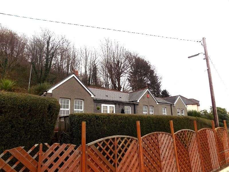 3 Bedrooms Detached House for sale in Fernfield , Baglan, Port Talbot, Neath Port Talbot. SA12 8AL