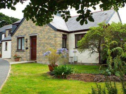 2 Bedrooms Bungalow for sale in Maen Valley, Goldenbank, Falmouth