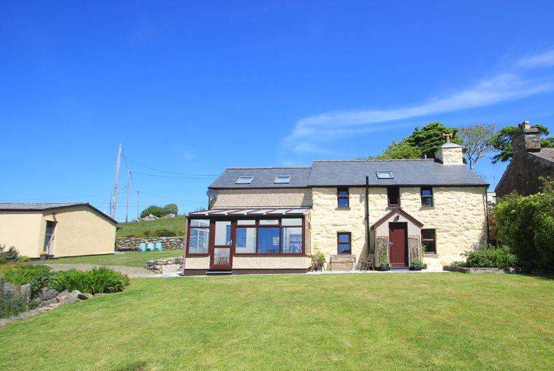 3 Bedrooms Detached House for sale in Nebo, Gwynedd