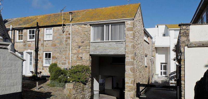 2 Bedrooms Apartment Flat for sale in Piazza, St Ives, Cornwall