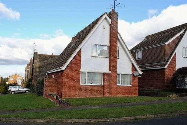3 Bedrooms Detached House for sale in Fallow Walk, Kingsthorpe, Northampton NN2 8DE