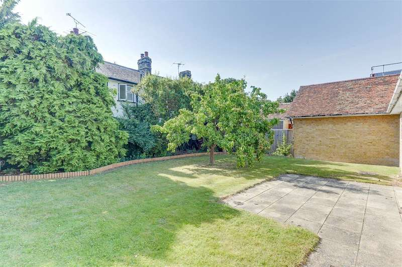 2 Bedrooms Detached Bungalow for sale in Mortlock Street, Melbourn, Melbourn, SG8