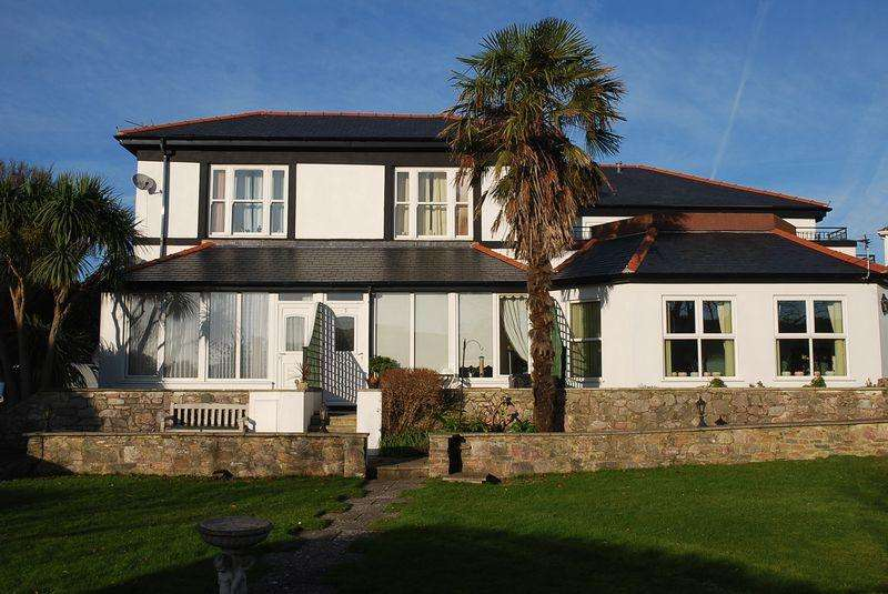 2 Bedrooms Apartment Flat for sale in York Road, Babbacombe, Torquay.