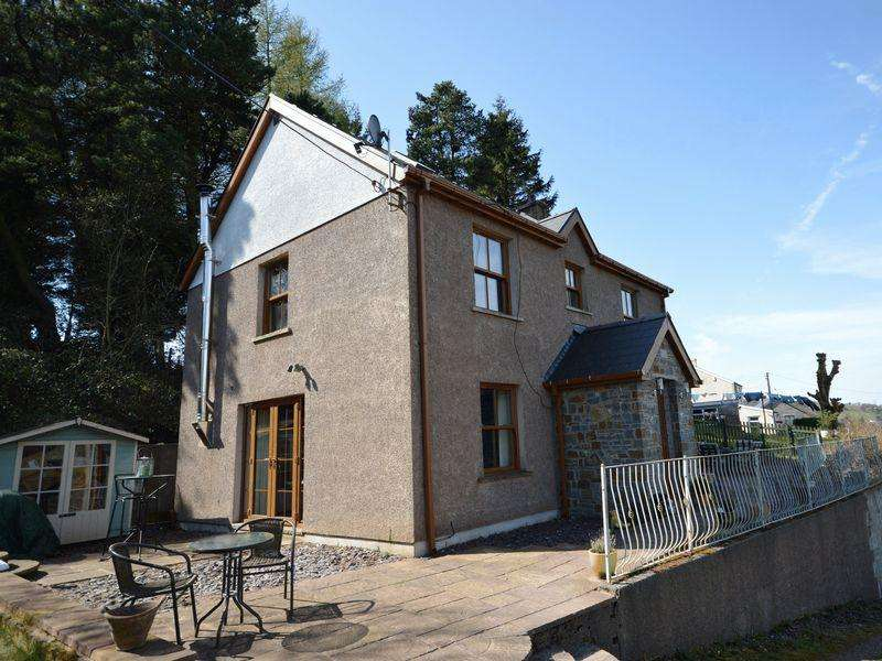 5 Bedrooms Detached House for sale in Darenfelin, Llanelly Hill, Abergavenny