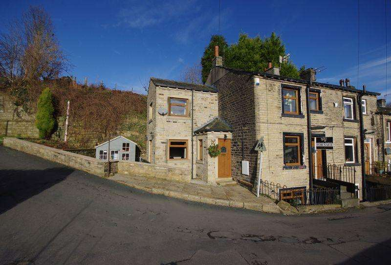 3 Bedrooms End Of Terrace House for sale in Spring Street, Ripponden, HX6 4DT