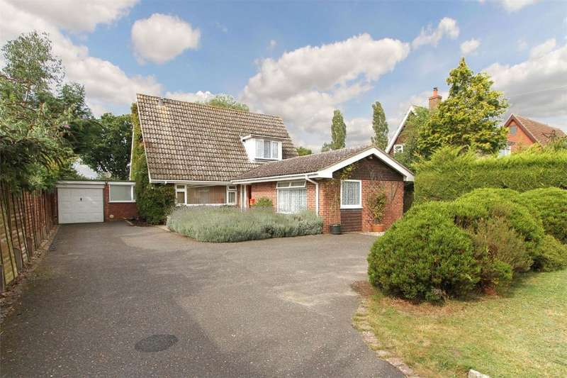3 Bedrooms Chalet House for sale in Shipdham Road, Carbrooke, Thetford, Norfolk
