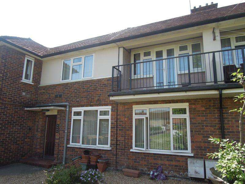 1 Bedroom Flat for sale in Langley, Garden Apartment.