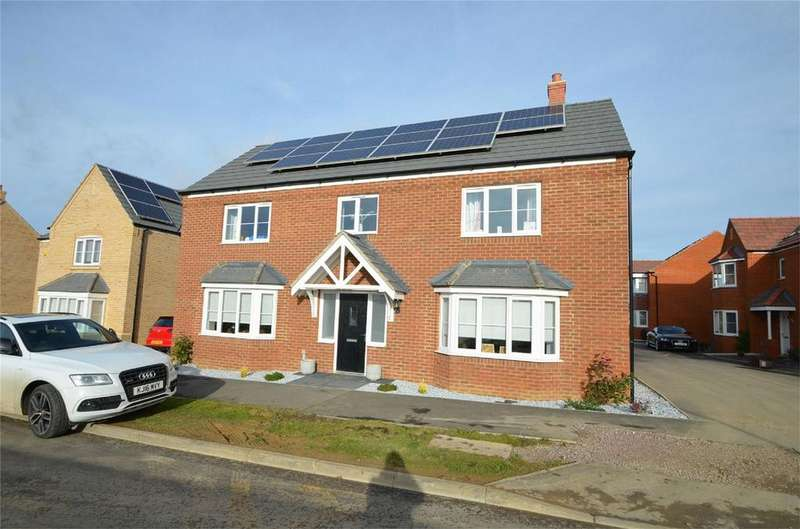 4 Bedrooms Detached House for sale in Harvest Rise, SHEFFORD, Bedfordshire
