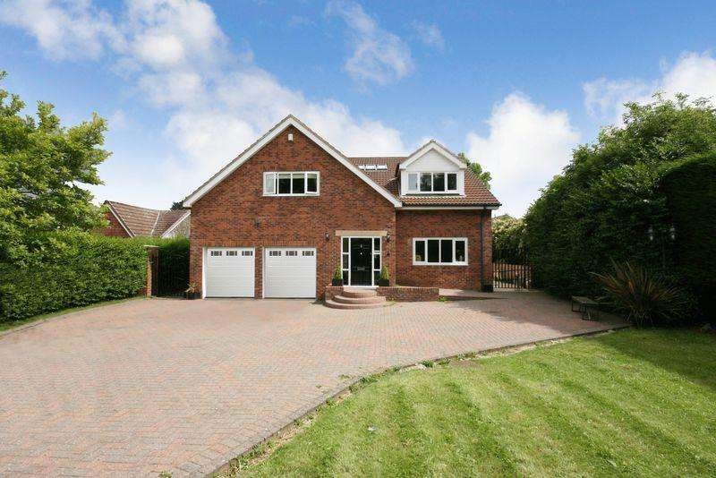 5 Bedrooms Detached House for sale in Western Way, Darras Hall, Ponteland, Newcastle upon Tyne