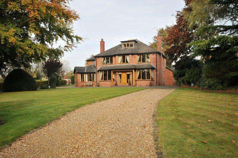 5 Bedrooms Detached House for sale in Davenport, Nr Holmes Chapel