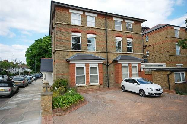 Studio Flat for sale in Stanley Road, Teddington