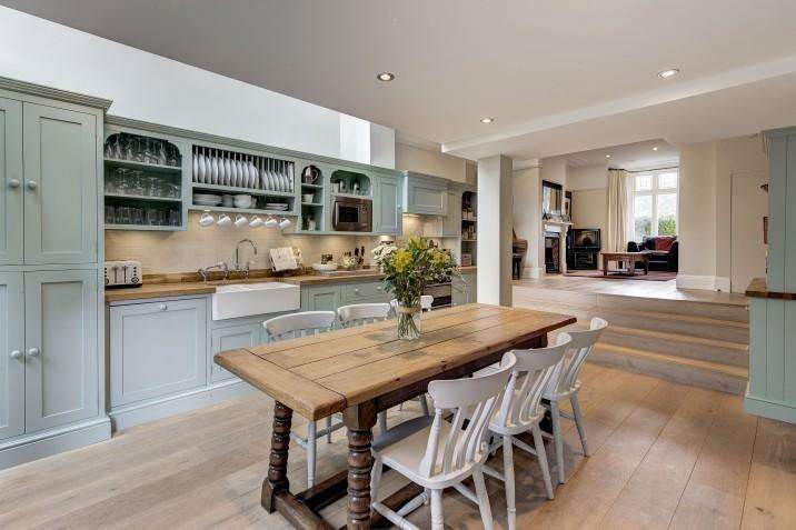 4 Bedrooms Terraced House for sale in Agincourt Road, Hampstead, NW3